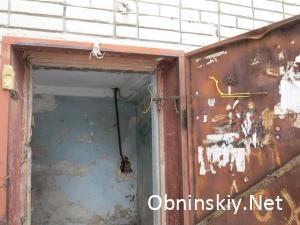 Курчатова д. 43, дверь не закрывается, пружинка не работает
