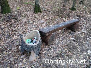 В Гурьяновском лесу лавочка и мусорка