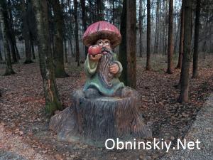 В Гурьяновском лесу сказочная фигурка