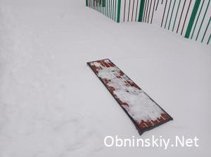 Лавочка. Снегопад в Обнинске